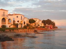 Villa Levante, pet-friendly hotel in Spetses