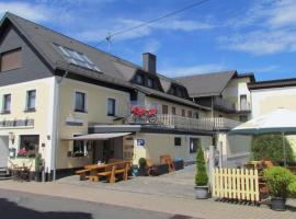 Hotel & Restaurant Hüllen, hotel near Nuerburgring, Barweiler