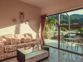 Viesnīca Phuket Wake Park pilsētā Katu