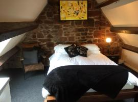 Lulus, hotel with jacuzzis in St Bees