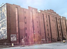 Victoria Warehouse Hotel, hotel near The Lowry, Manchester