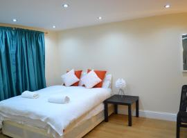 High Street Service Apartment, hotel near East Ham Tube Station, London