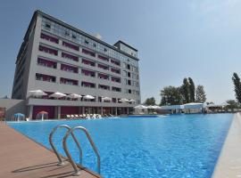BETON BRUT All Inclusive & Spa Hotel in Miracleon, hotel near Anapa Airport - AAQ, Anapa