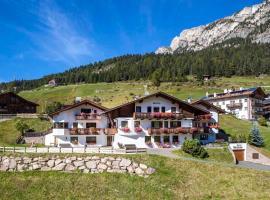 Hotel Garni Morene, hotel in Selva di Val Gardena