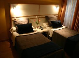 Hostal Mara, guest house in A Coruña