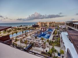 Royalton Riviera Cancun Resort & Spa - All Inclusive, poilsio kompleksas mieste Puerto Morelos