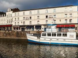 Best Western Le Cheval Blanc - Vieux Port, hotel near The Garden of Fame, Honfleur