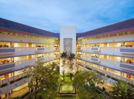 Puri KIIC Golf View Hotel, hotel in Karawang