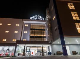 Hotel Hiber Chapeco, hotel in Chapecó