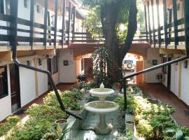 Residencia Leones de Castilla, B&B in Asunción