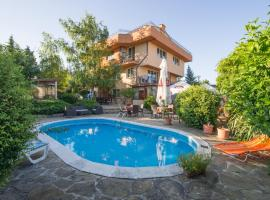 Къща за гости Ла Каза, хотел близо до Университетска Ботаническа Градина, Варна