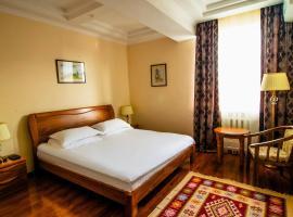 Soluxe Hotel, hôtel à Bishkek