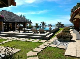 Jepara Marina Beach Bungalows, hotel with pools in Jepara