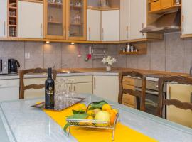 Apartment Ivo, self catering accommodation in Podstrana