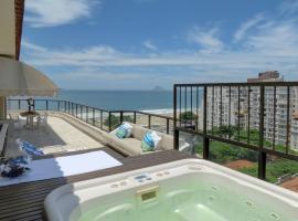 Cobertura Vista Mar Copacabana, hotel with jacuzzis in Rio de Janeiro