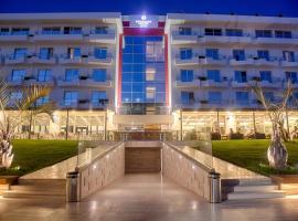 Premium Beach Hotel, hotel in Golem