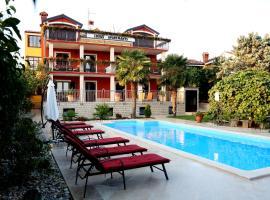Apartments Max, luxury hotel in Vrsar
