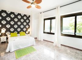 Fira Guest House, hotel in Barcelona