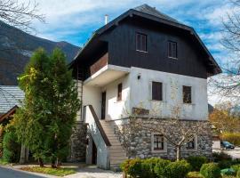 Guest house Vila Korošec, hotel v mestu Bovec