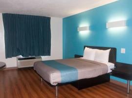 Motel 6-Raleigh, NC - North, motel in Raleigh