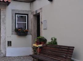 My Sweet Moura, hotel near Miradouro da Senhora do Monte, Lisbon