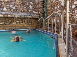 9 Queens Spa Hotel, hotel in Loutra Edipsou