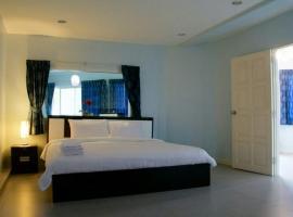 999 Triple Nine Boutique Hotel, hotel near Baan Sillapin Artists' Village, Hua Hin