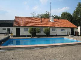 Cozy Holiday Home in Oisterwijk with Swimming Pool, hotel with pools in Oisterwijk