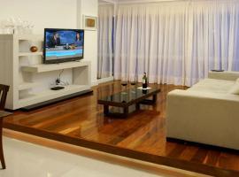 APARTAMENTO EM RIO DE JANEIRO IPANEMA 3 QUARTOS A 100 metros da praia, hotel near Ipanema Beach, Rio de Janeiro