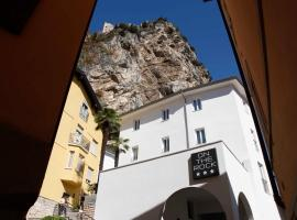 On The Rock, hotel in Arco