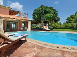 Vouliagmeni Villa, hotel with pools in Athens
