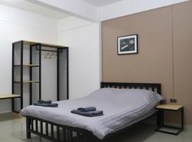 Baan Mai Guest House, hotel near Bangkok International Trade and Exhibition Centre BITEC, Bangkok