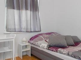Metro Centrum Guest Rooms, розміщення в сім'ї у Варшаві