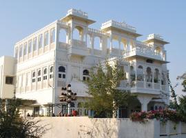 Gadh Ganesh Homestay, hotel near Forum Celebration Mall, Udaipur