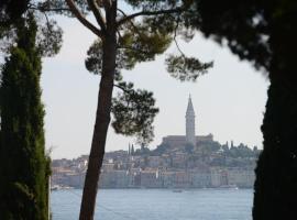 Campsite Porton Biondi Mobile Homes Mediteran, hotel in Rovinj