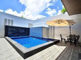 Violet Luxury Service Villa, hotel near Penang National Park, Batu Ferringhi