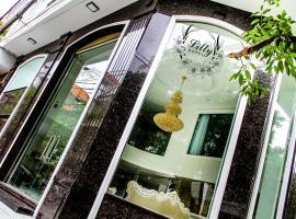 Lilly Hotel, hotel near Giac Lam Pagoda, Ho Chi Minh City