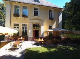 Hotel Villa Wirtshaus Köpenick, hotel near Kassel Calden Airport - KSF, Hofgeismar