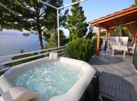 Brela Beach house, pet-friendly hotel in Brela