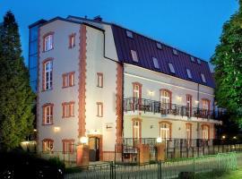 Paria Hotel, hotel near the Holy Virgin Mary's Assumption church, Kudowa-Zdrój
