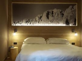 Hotel Milano Lo Chalet, hotell i Castione della Presolana