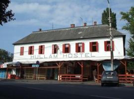 Hullam Hostel, hotel v destinaci Révfülöp