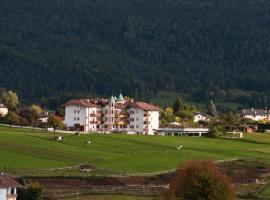 Hotel Rosa Resort, hotel in Cavareno
