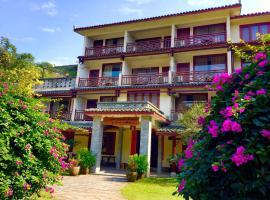 Snow Lion Riverside Resort, hotel en Yangshuo