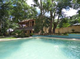 Cabañas y Hostal Zoh Laguna, hotel in Xpujil