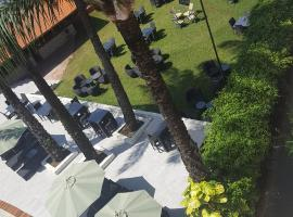 Riviera Taouyah Hotel, hotel in Conakry