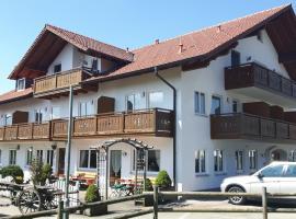 """Gasthof """"Zum Strauß"""", hotel near Pilgrimage Church of Wies, Wildsteig"""