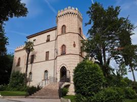 Castello Montegiove, отель в Фано