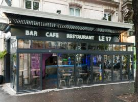 Le 17, hotel near Porte Saint-Martin Theatre, Paris
