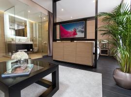 Dominic Smart & Luxury Suites - Republic Square: Belgrad'da bir Oda ve Kahvaltı